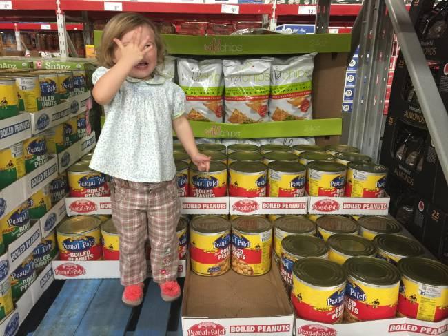 kids in grocery stores via @lizzylit